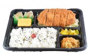 トンカツ弁当  590円(税込み637円)